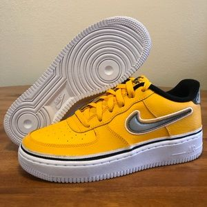 NEW Nike Air Force 1 Low GS Boy's Size 7